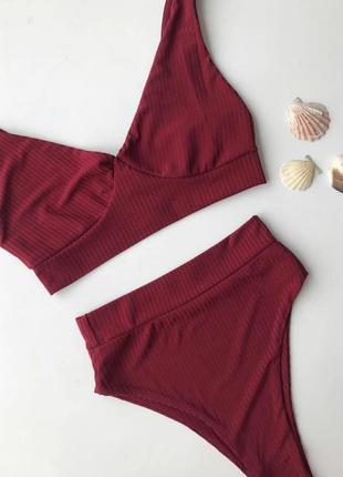 Женский стильный купальник бордо