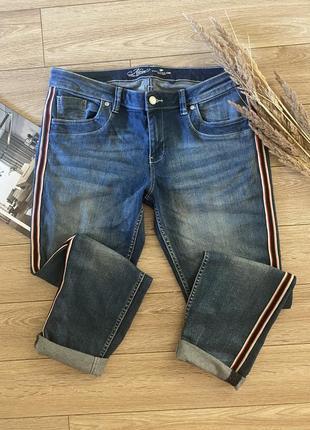 Стильные джинсы с лампасами от tom tailor