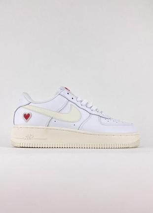 Топовые женские кроссовки демисезонные nike air force белые кожаные найк форс