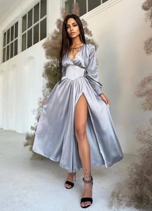 Шелковое платье -миди с разрезом