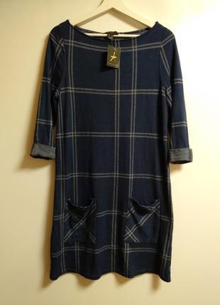 Новое трикотажное платье в клетку с карманами размера l
