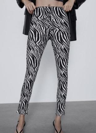 Облягаючі брюки zara