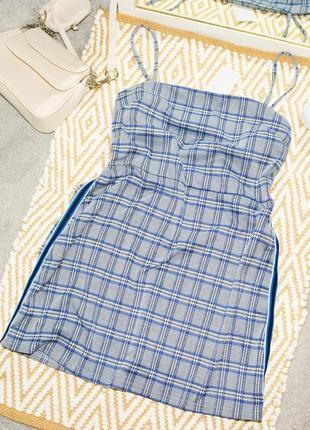 Новое платье с лампасами на лямках primark