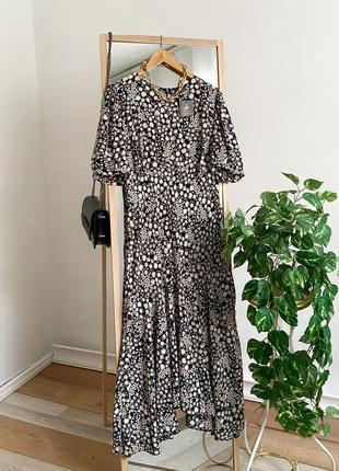 Длинное платье миди в цветочный принт с рукавами пуффами