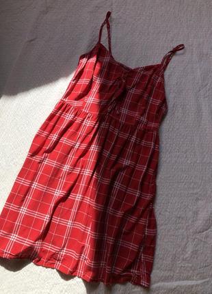 Мини платье в красную клетку легкое на брительках