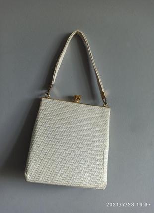 Маленька вінтажна сумочка
