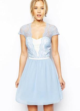 Шикарное платье  цвета baby blue с кружевом asos