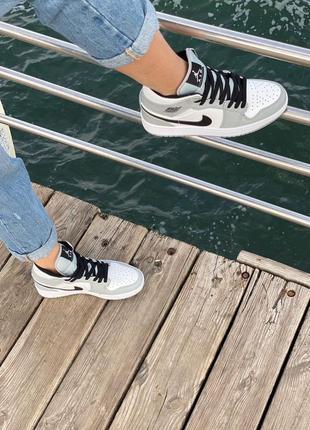 Nike air jordan gray кроссовки найк женские джордан обувь кеды4 фото