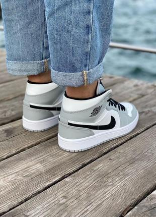 Nike air jordan gray кроссовки найк женские джордан обувь кеды5 фото