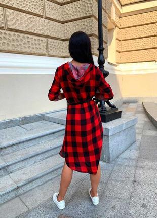 Платье-рубашка с капюшоном в клетку на молнии ,миди2 фото