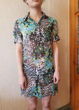 Легкое платье из шифона в рубашечном стиле.