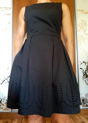 Натуральное черное платье с перфорацией из 100% хлопка