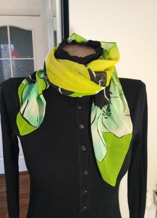 Разноцветный платок шарфик