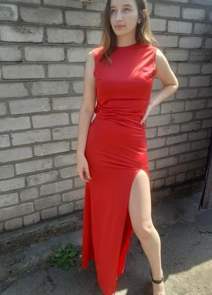 Вечернее платье в пол красное с разрезом на ноге
