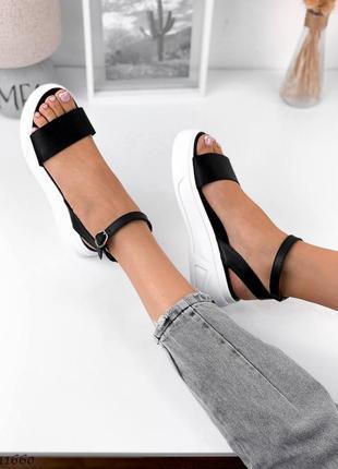 Босоножки боссоножки сандалии натуральная кожа трендовые на высокой подошве чёрные3 фото