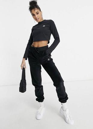 Adidas оригинал спортивные штаны бархатные велюровые на резинке чёрные базовые свободные вельветовые с полосками вышитое лого джоггеры джогеры