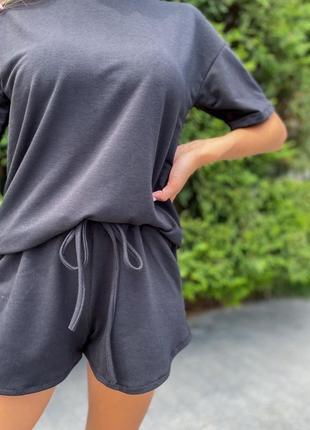 Женский костюм шорты и футболка свободного кроя