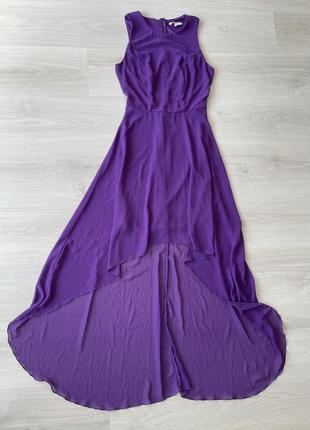 Нарядное виолетовое платье со шлейфот