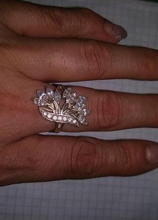 Кольцо серебряное очень красивое