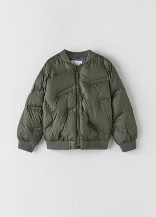 Модная куртка-бомбер для ребенка zara