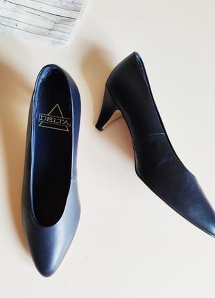 Туфли лодочки туфлі середній каблук1 фото