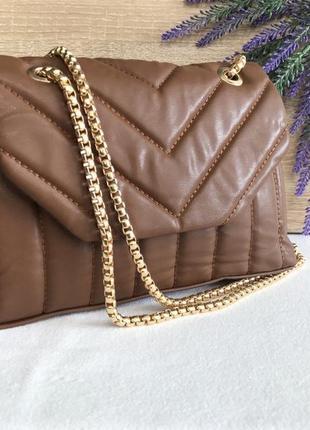 🥰 женская сумка стёганая на длинной золотой цепочке кроссбоди через плечо коричневая бежевая коньячная италия