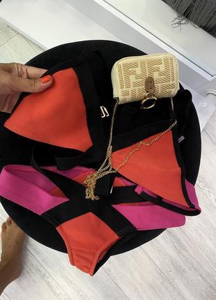 Яркий крутой брендовый дизайнерский бандажный купальник