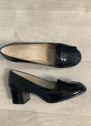 Лаковые туфли кожаные испания  topshop размер 39 / лоферы