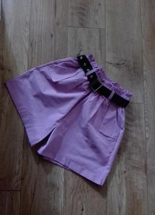 Лиловые шорты багги
