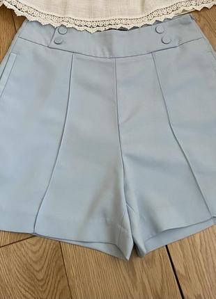Модные шорты с высокой посадкой