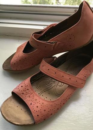 Шкіряні туфлі clarks active air  р.6 d ( 39) ліпучка індонезія