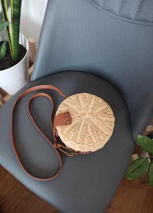 Плетеная соломенная сумка через плече