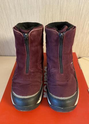 Утепленные зимние ботинки