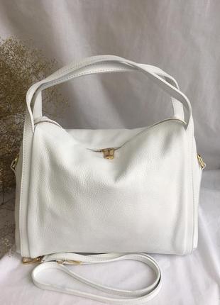 Сумочка кожаная мягкая италия женская genuine leather с короткими ручками на плечо белая молоко айвори