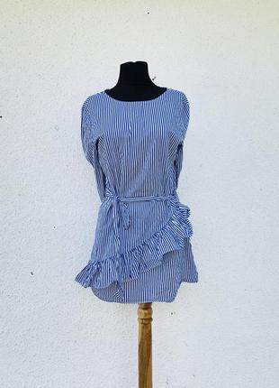 Шикарное платье в полоску из натуральной ткани