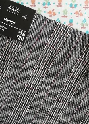 Эластичная юбка-карандаш в клетку ниже колена р.22