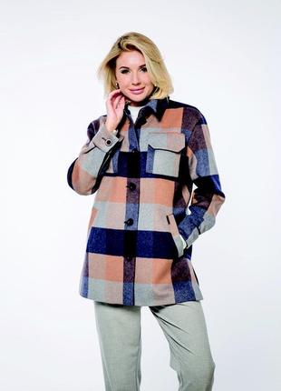 Модная удлиненная рубашка в клетку с добавлением шерсти.