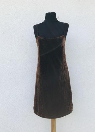 Нарядное вечернее коктейльное платье на бретели10 фото