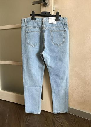 Мом джинсы из качественного джинса, нежно-голубого цвета с дырками, рваные джинсы4 фото
