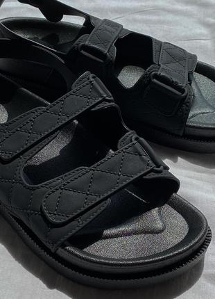 Стильные чёрные  босоножки  сандали