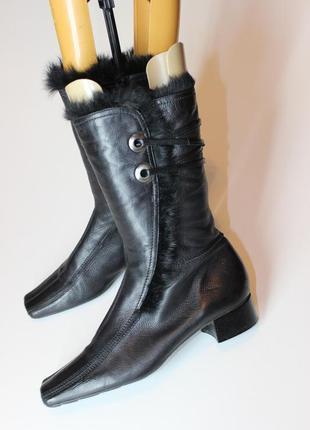 Стильні трендові чоботи з квадратним носком