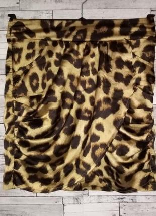 Дерзкая, сатиновая мини юбка