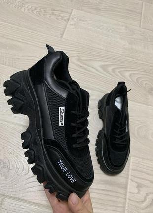 Кросівки жіночі на платформі