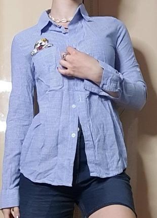 Рубашка в полоску голубая