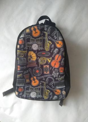 Красивый и удобный рюкзак инструменты