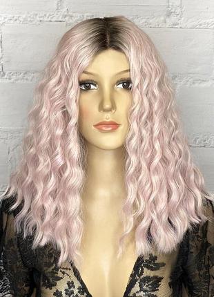 Парик розовый блонд средней длины волнистый омбре / перука рожевий блонд середньої довжини хвиляста