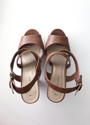 Открытые босоножки сандали бежевые коричневые на каблуке new look 37 38