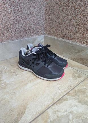 Жіночі кросівки nike