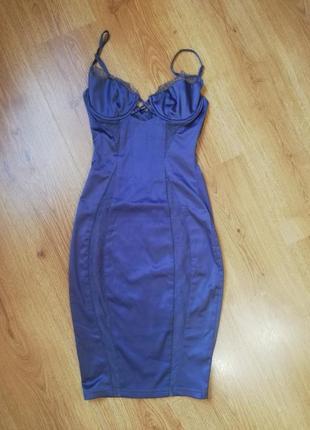 Шикарное платье с кружевными вставками1 фото