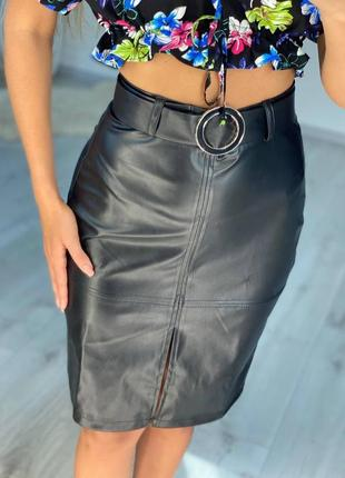 Женская стильная деловая юбка карандаш с разрезом спереди